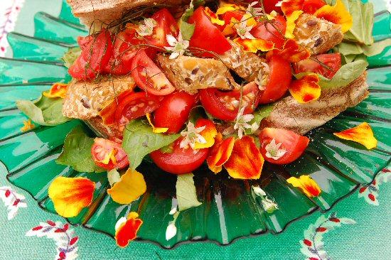 web_complete_sandwich_petals_fiends_eat_lunch_9_9_189.jpg